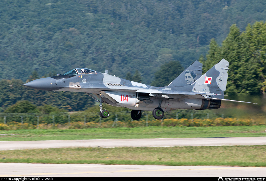 114-polish-air-force-mikoyan-gurevich-mig-29-fulcrum-a_PlanespottersNet_646521.jpg