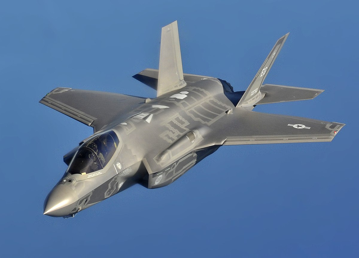 1200px-F-35A_flight_(cropped).jpg