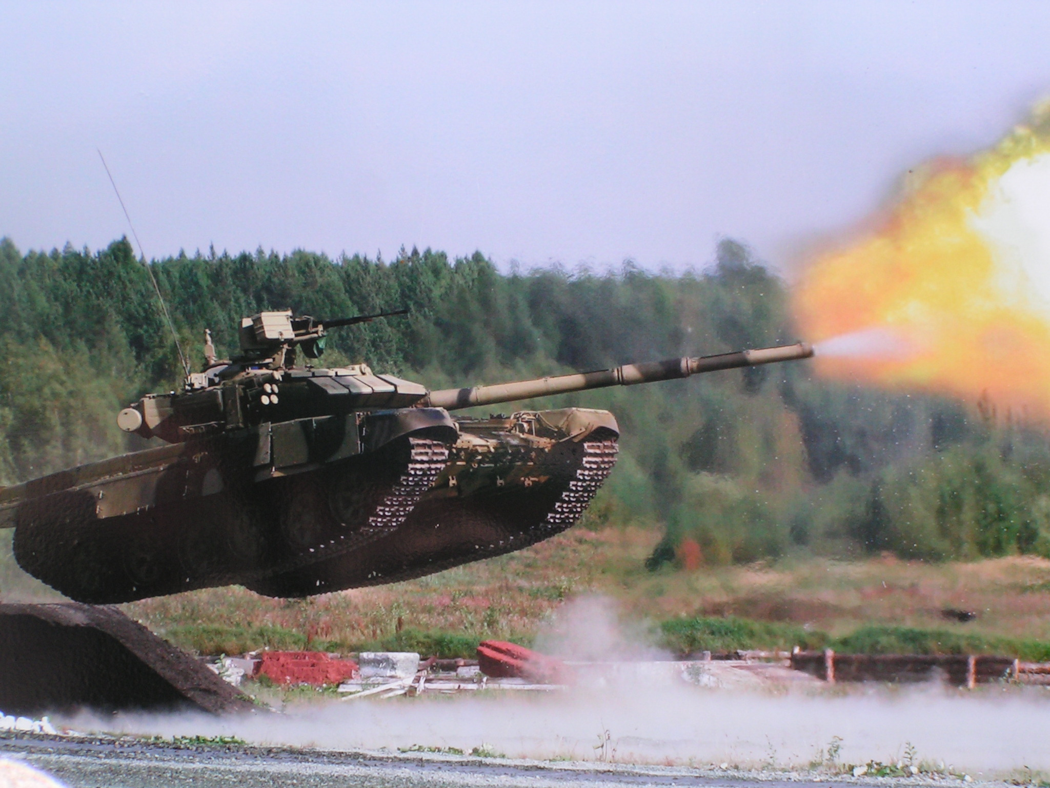 17011_tank_tank_jumping_and_shooting.jpg