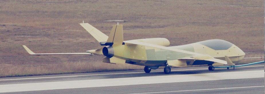 2017-01-17-La-flotte-de-l%u2019Est-révèle-son-régiment-de-drones-19.jpg