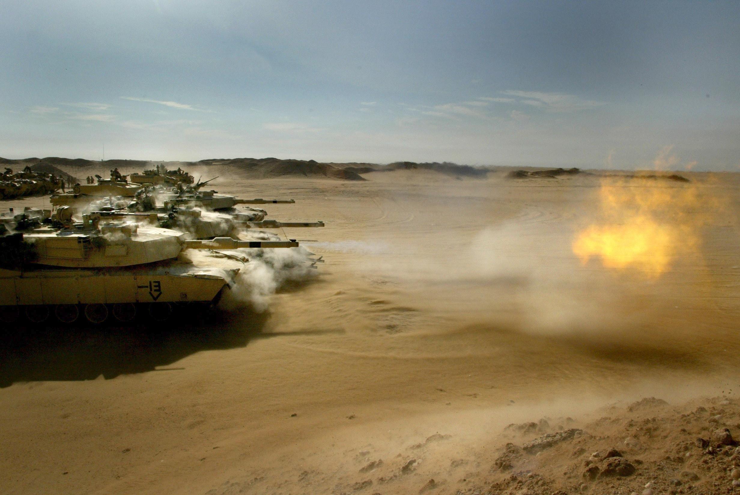 29475_tank_tanks_in_desert.jpg