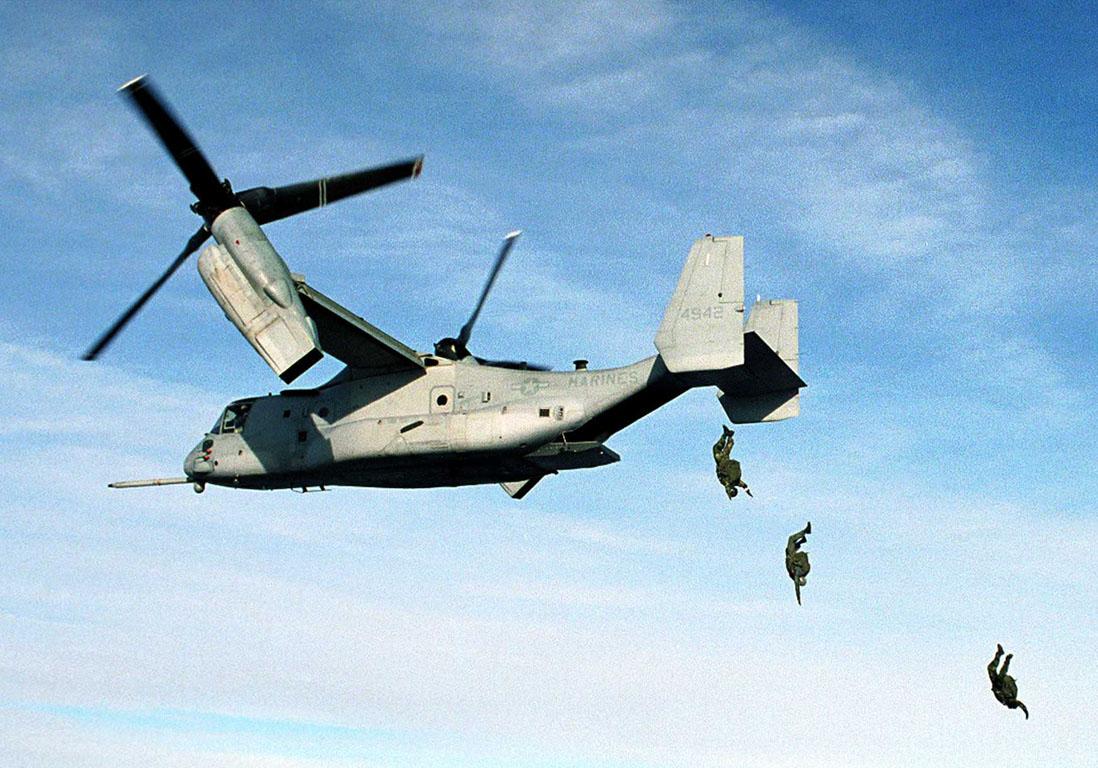 31913_helicopter_v22_osprey_paratroopers.jpg