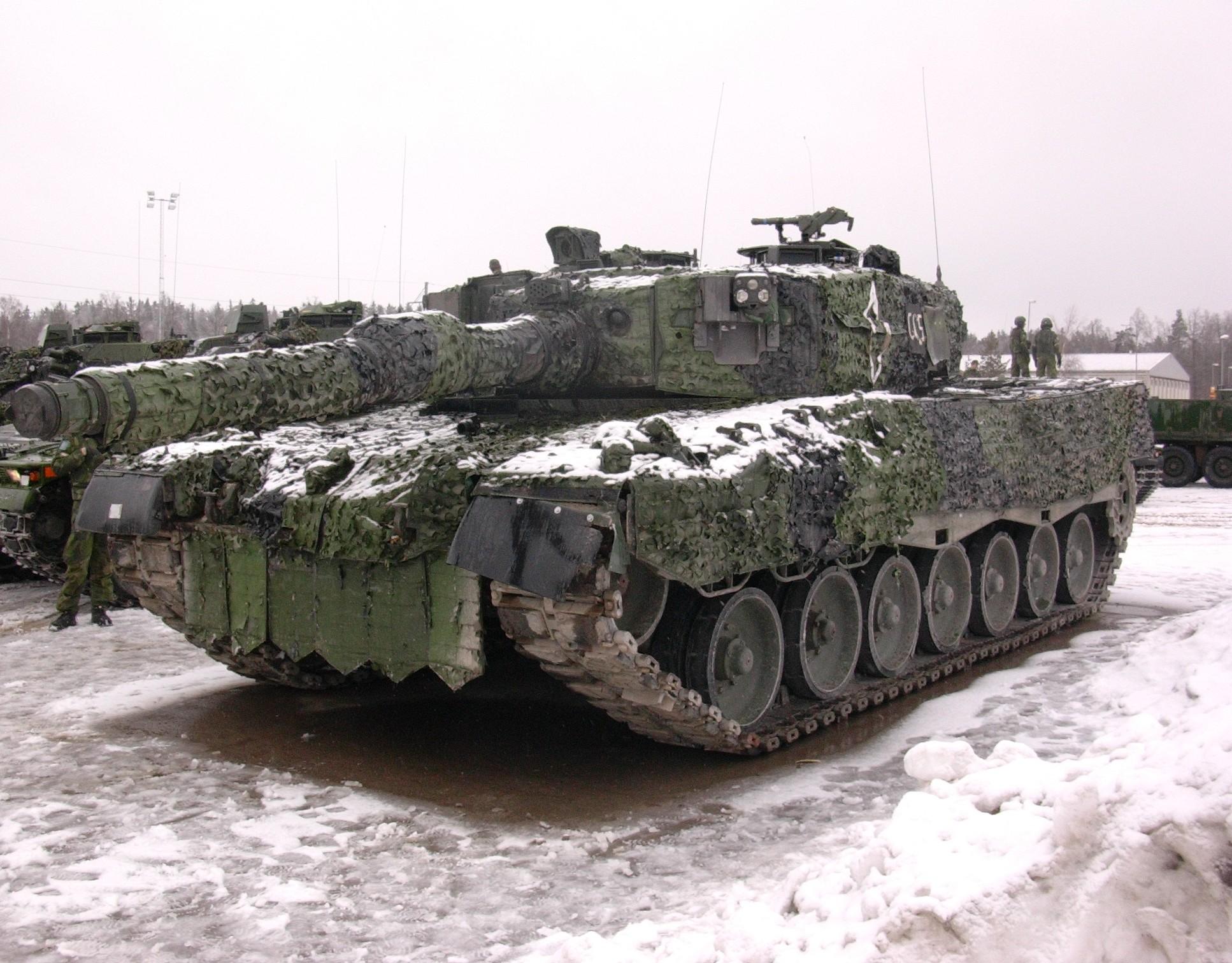34769_tank.jpg
