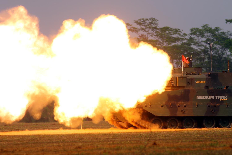 ayobdg_uji-tembak-medium-tank_ncos-1.jpg