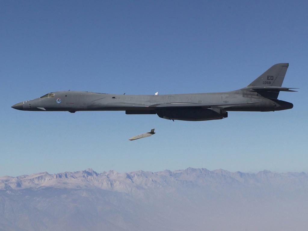 B-1B-Drops-LRASM.jpg