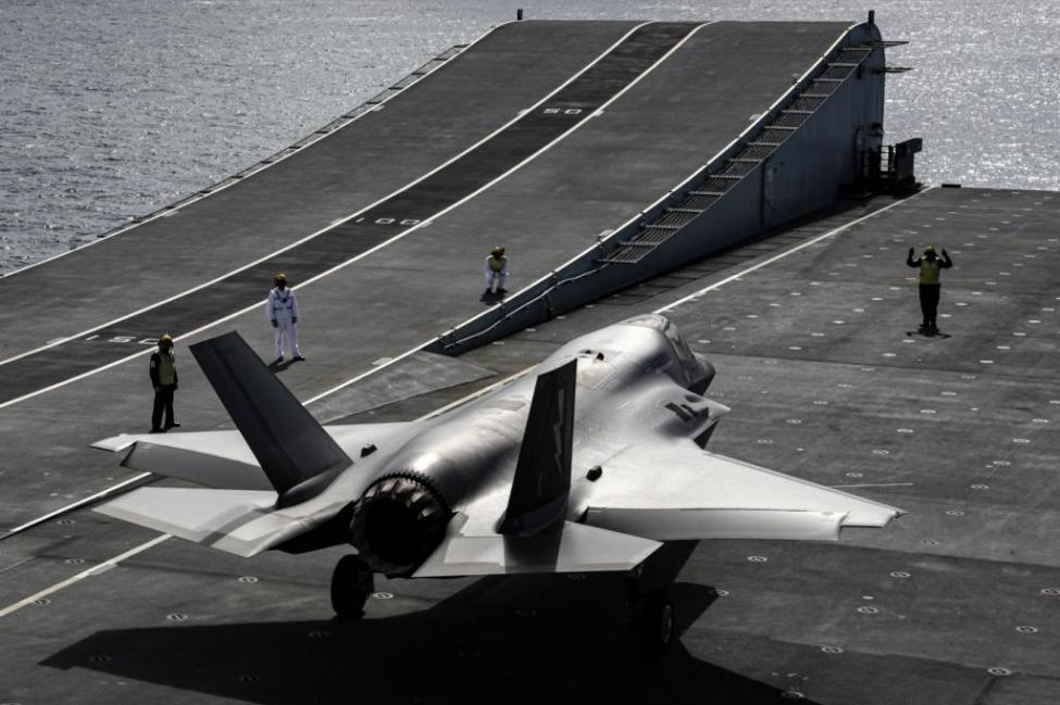 British-F-35Bs-take-off-from-land-on-new-carrier-1 - Copy.jpg