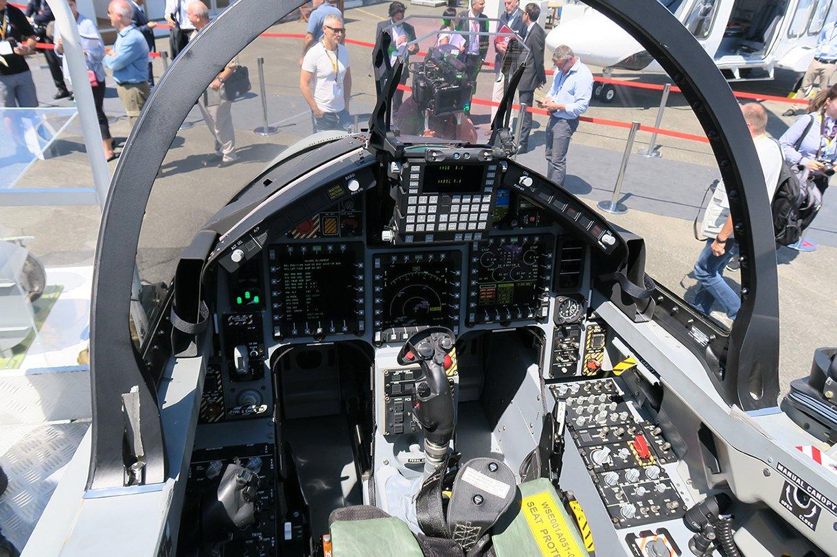 DC5o9d7W0AEDfxI.jpg