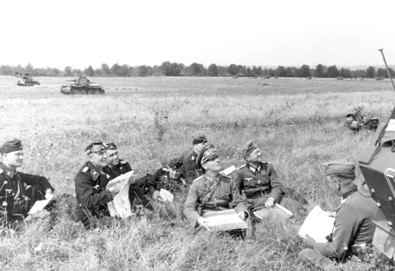 german-invasion-of-france.jpg