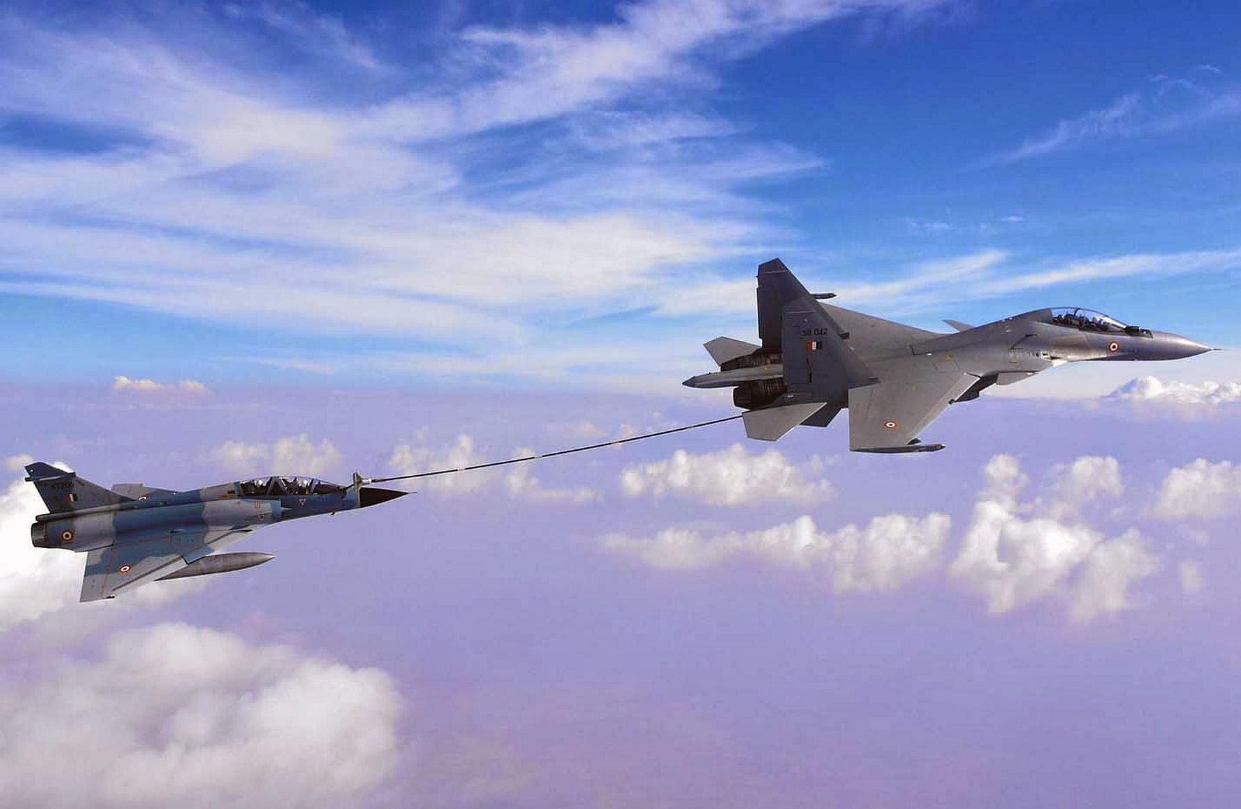 IAF-Buddy-Refuelling-Sukhoi-Su-30MKI-Mirage-2000.jpg
