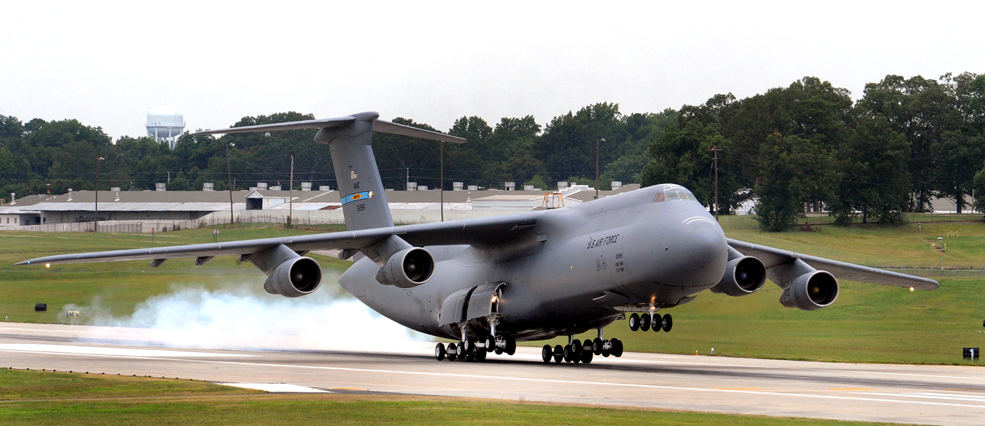 Lockheed-C-5-Galaxy-Photos.jpg