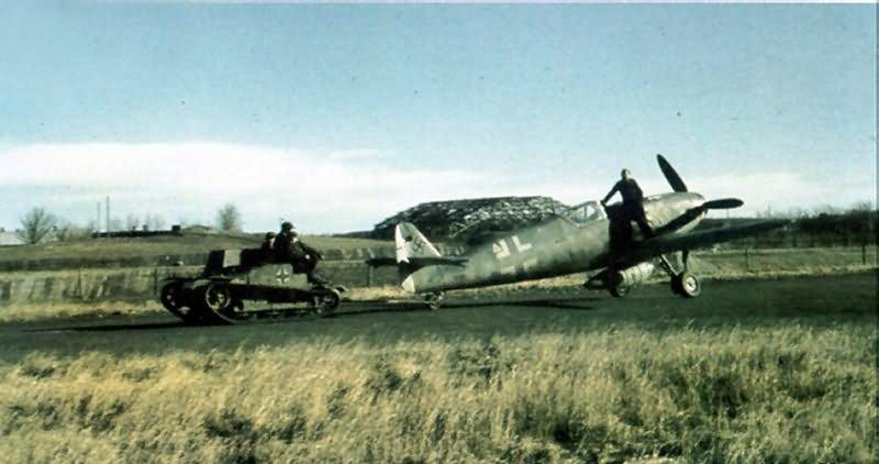 Messerschmitt_bf_109_color_24.jpg