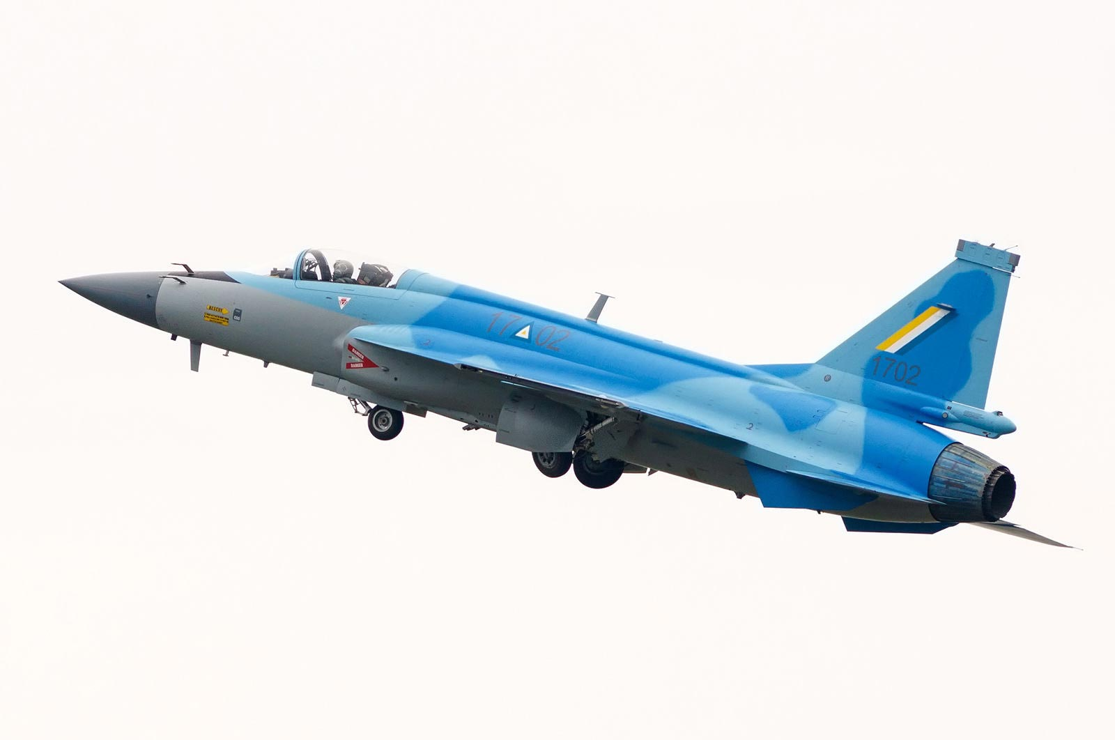 Myanmar_Air_Force_JF-17_FC-1_Fighter.jpg