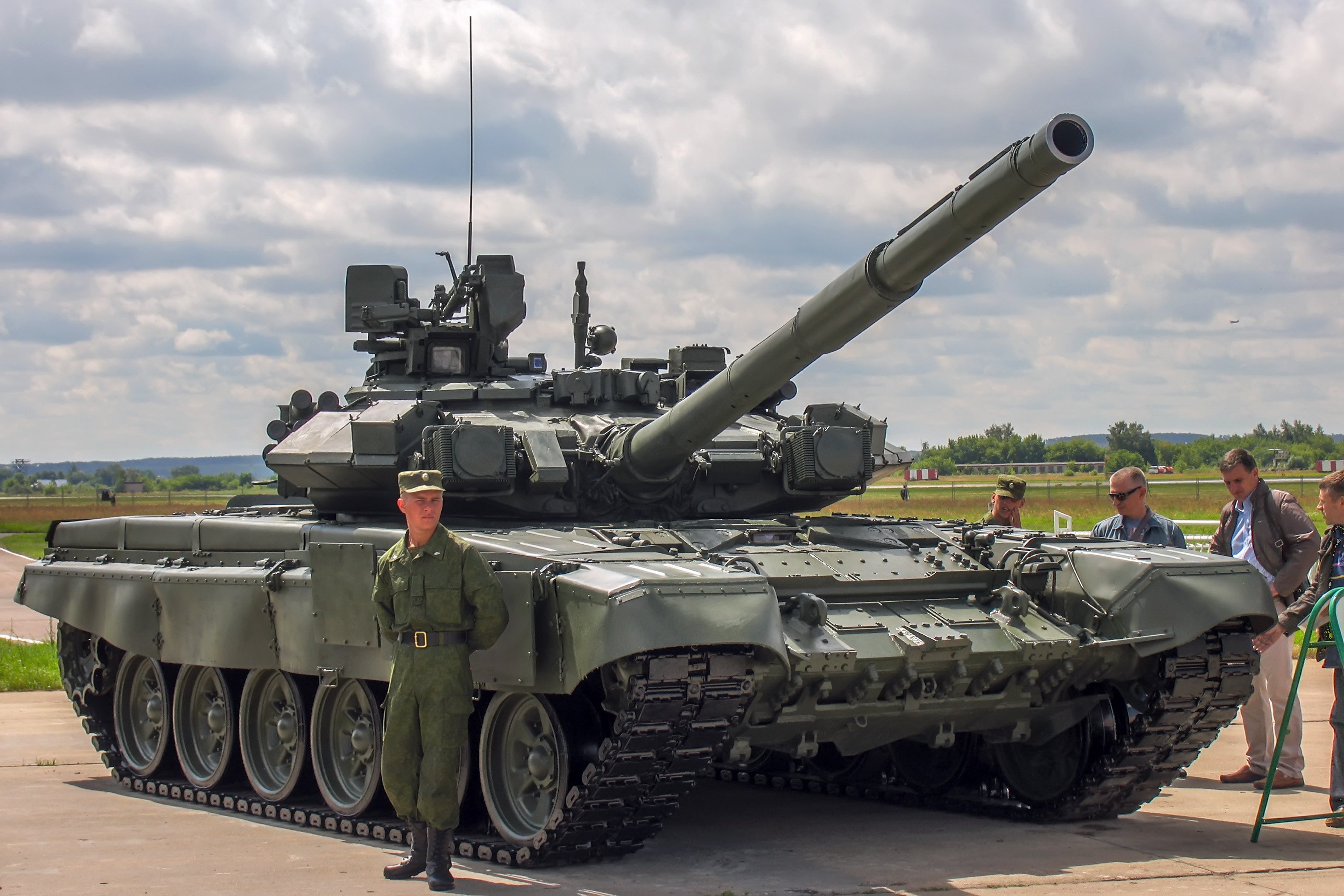 T-90A_main_battle_tank_at_Engineering_Technologies_2012_01.jpg