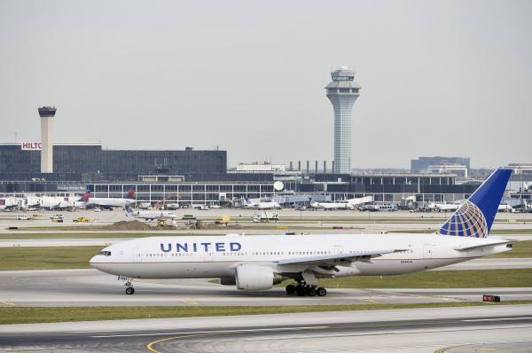 United-takes-more-heat-after-spat-between-passenger-US-congresswoman.jpg