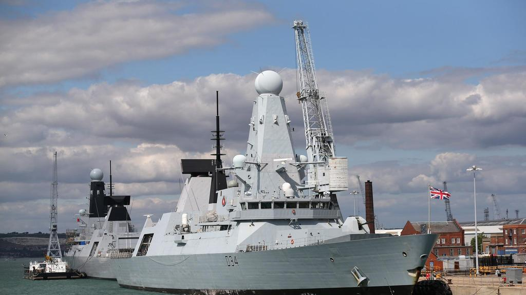 wo00-hms-diamond.jpg