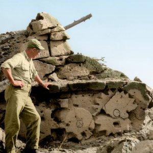 Iwo Jima, 1945 - stone tank to fake US-artillery